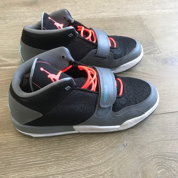 Nike Air Jordan Gray/Black/Orange Kids Sz 6.5